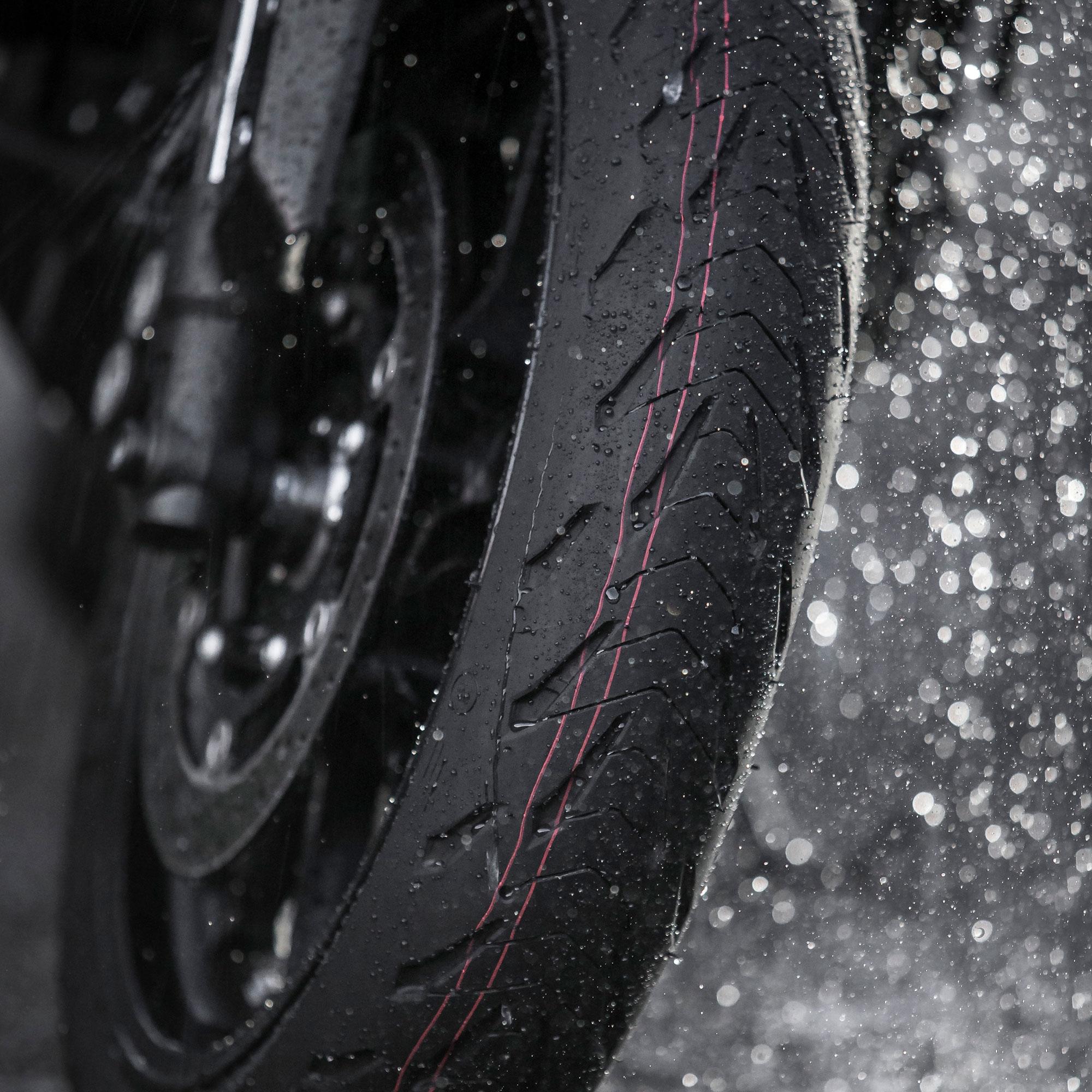 Michelin Road 5 Tire Front 120//70ZR17