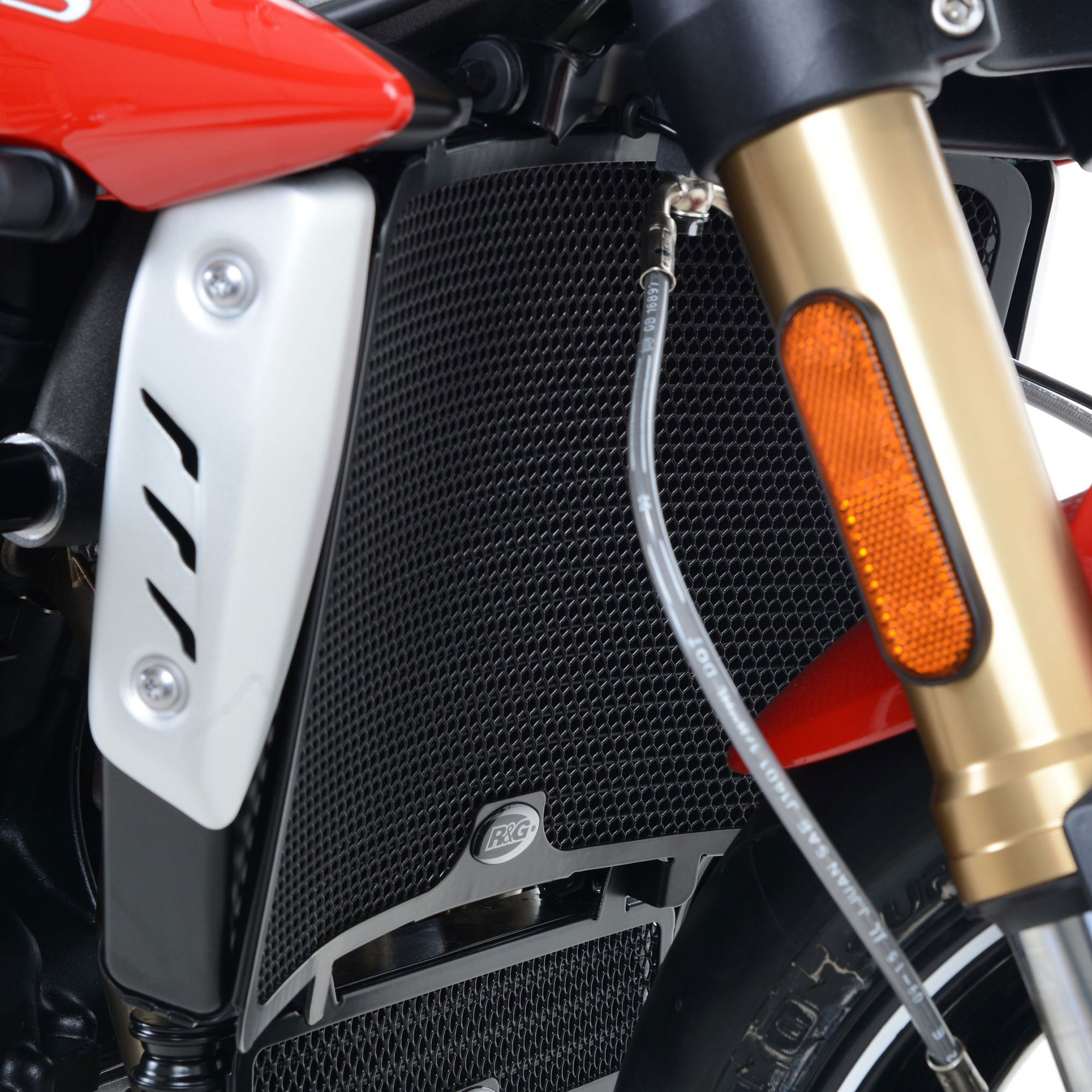 R/&G RACING BLACK RADIATOR GUARD Triumph Speed Triple R 2016